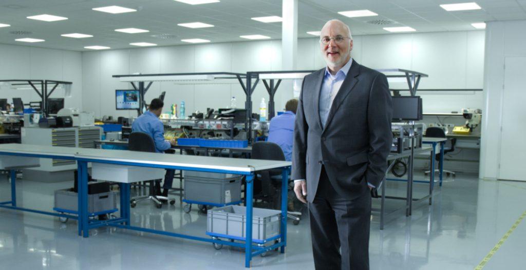 Henk van der Meij bij Tyro Remotes - productie