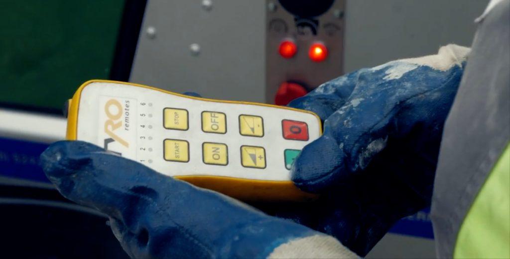 werkhandschoenen-betonpomp-afstandsbediening